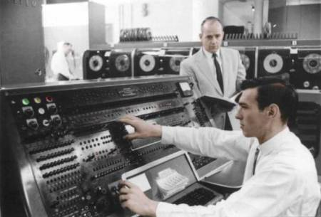 paul_lawson_640_univac